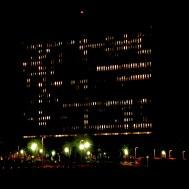 Variation G2 2143 - photographie en couleurs prise de nuit - 40 x 40 cm