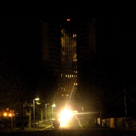 variation G6 2202 - photographie en couleurs prise de nuit - 40 x 40 cm