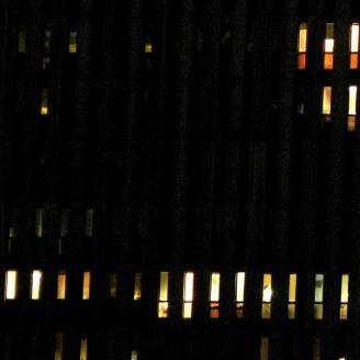 Variation H3 2144 - photographie en couleurs prise de nuit - 20 x 20 cm