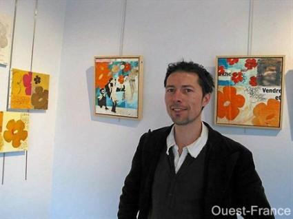 """Lors de l'exposition des tableaux de la série """"Tapisseries passagères"""" à Courseulles sur mer"""